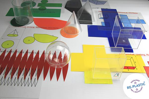 Komplet od 6 geometrijskih tijela u kutiji, PVC, s mrežom i formulama