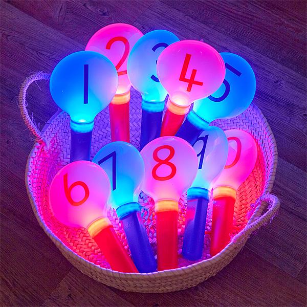EY10434 Svjetleći brojevi na palici
