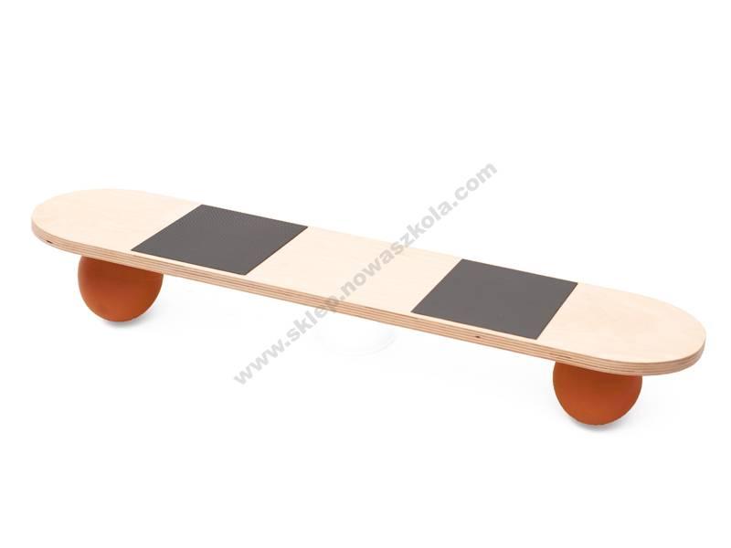 NS9183 Skateboard na gumenim lopticama